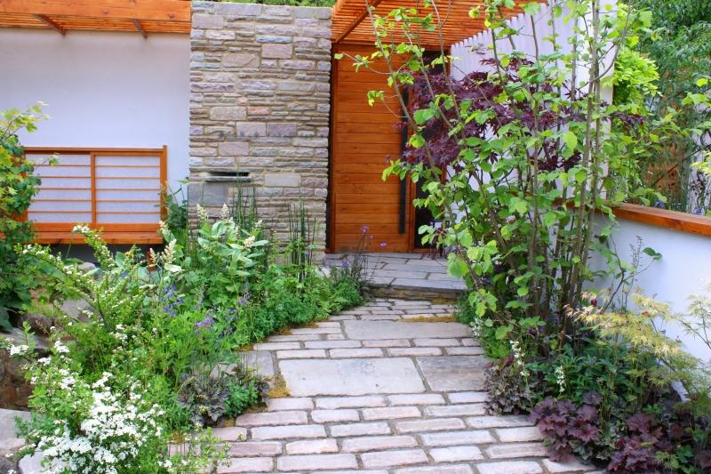 Front_garden_path
